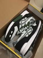 Used ASICS gel lite white/grey/green in Dubai, UAE