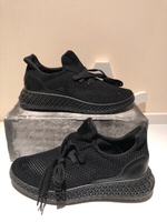 Used Black sport shoes size 40 25,5 cm in Dubai, UAE