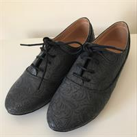 Brand New Women's Oxfords Shoe. Never Worn