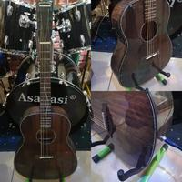 Used High quality Semi Acoustic Guitar in Dubai, UAE