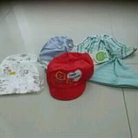 Used #0-1.5 Year #Boys #Caps N #Hat In 2 Are Brand New N Other 4 Are Worn Few Times in Dubai, UAE