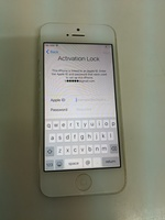 Used Iphone 5 * i cloud locked / bend * in Dubai, UAE