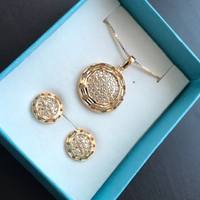 Necklace Set Gold 10k Non Tarnishing Jewelry. New In Gift Box