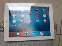 Used APPL iPad 2 (used) in Dubai, UAE