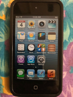 Used Apple iPod 32GB with charging cable in Dubai, UAE