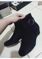 Used Size 37 cosy winter boots used once in Dubai, UAE