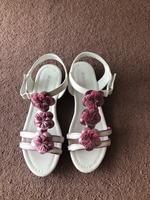 Used Sandals for a girl new size 32 in Dubai, UAE