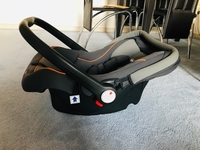 Used Infant Car Seat - Juniors  in Dubai, UAE