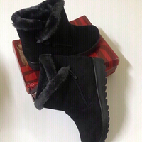 Used Winter warm snow flock zip boots 🥾 (37) in Dubai, UAE