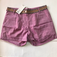 Used beautiful 🩳 shorts for her size 38 in Dubai, UAE
