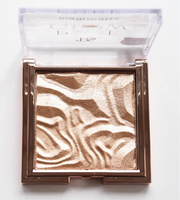 Used Ps pure glow highlight (rose gold ) in Dubai, UAE