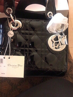 Used Dior handbag 👜 with box and dust bag in Dubai, UAE