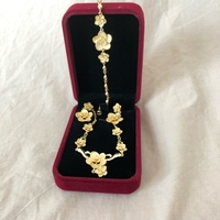 Used New gold jewelry flowers 3 pcs in Dubai, UAE