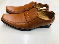 Used Brown color shoe 👞/new/size-42 (8) in Dubai, UAE