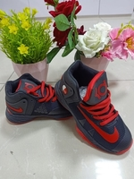 Used Kids shoes 26 to 35 vb in Dubai, UAE