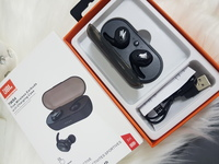 Used JbL headset black pure bass new,, in Dubai, UAE