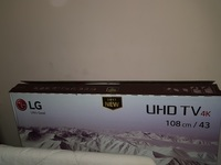 Used LG 4k tv with broken screen in Dubai, UAE