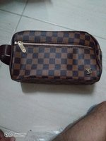 Used Lv pouch en Gucci wallet in Dubai, UAE