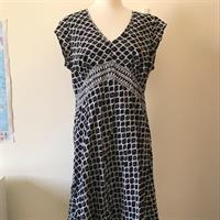 Joanna Hope Cotton Dress With Sequin Details Size UK16. Used But In Very Good Condition.