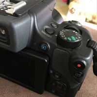 Used Canon Power Shot Sx 60 Hs Used For 3 Months Only With Accessories  in Dubai, UAE