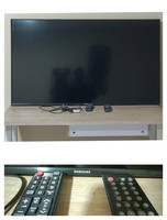 Used 45 inch Samsung Flat TV with remote in Dubai, UAE