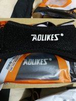 Used 1 pair of sports knee support in Dubai, UAE