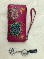 Used Wallet and keyring from Las Vegas in Dubai, UAE