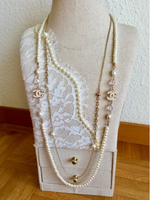Pearl Necklace with Chanel theme