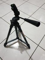 Used Tripod stand in Dubai, UAE