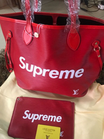 Used Red Louis Vuitton supreme handbag 👜sale in Dubai, UAE