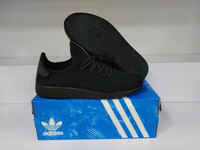 Used Unisex adidas shose in Dubai, UAE