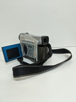 Used Canon zR10 handycam * damaged* in Dubai, UAE