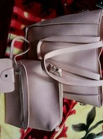 Used 4pcs women's bags set solid in Dubai, UAE