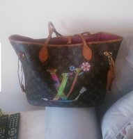 Used Loyis Vuitton genuine Leather bag in Dubai, UAE