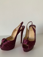 Used Louboutin pumps in Dubai, UAE