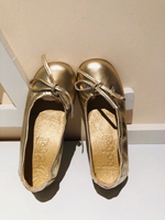 Used Metallic gold girls shoes size EU25 in Dubai, UAE