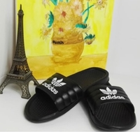 Used Adidas Slides/ Slippers Black in Dubai, UAE
