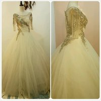Used Fabulous wedding dress ofwhite in Dubai, UAE