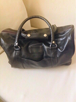 Used Black Leather Handbag Unisex ❤️ in Dubai, UAE