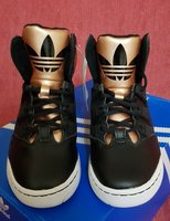 Used SALE!!! ORIGINAL ADIDAS SHOES in Dubai, UAE