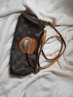 Used Louis Vuitton Sling bag in Dubai, UAE