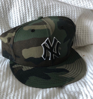 Used Camo Yankees SnapBack  in Dubai, UAE