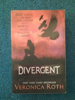 Used Divergent Full Series/Trilogy in Dubai, UAE