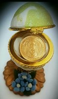 Used 10 gold plated zayed coins with egg boxs in Dubai, UAE
