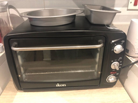 Used Ikon electric oven and baking trays in Dubai, UAE