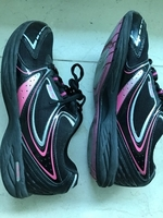 Used Ladies USA pro trainers UK size 4 or 37. in Dubai, UAE