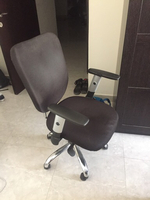 Used Office table and chair in Dubai, UAE