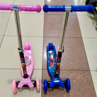 Used NEW!!! Girls & Boys Scooter in Dubai, UAE