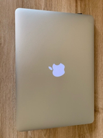 Used MacBook Air 2017 (5 months used)+ IPOD 5 in Dubai, UAE