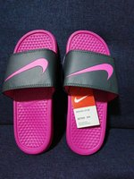 Nike slipper size 40